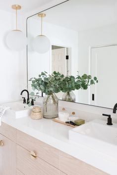 Interior stylist and designer Kristen Forgione of The LifeStyled Company designed this bright & beautiful bathroom with the Anna™ farmhouse sinks. Photography by Taylor Cole Photography Bad Inspiration, Bathroom Inspiration, Home Decor Inspiration, Decor Ideas, Decorating Ideas, Interior Decorating, Diy Ideas, Beautiful Bathrooms, Modern Bathroom
