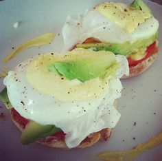 Healthy Vegetarian Eggs Benedict