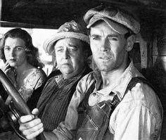 """Dorris Bowdon (1914-2005), Jane Darwell (1879-1967) und Henry Fonda (1905-1982) in John Ford's """"Früchte des Zorns"""" (1940). Nach dem gleichnamigen Roman des Schriftstellers John Steinbeck."""