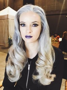"""On the day of Jack Frost's birthday, his relative Killer Frost is also back on The Flash! O Flash, Flash Arrow, Dark Comics, Dc Tv Shows, Snowbarry, Killer Frost, Danielle Panabaker, Halloween This Year, Fastest Man"