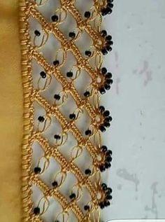 Bords d& brodés au crochet tout en une belle dentelle au crochet en perles noires Filet Crochet, Crochet Lace Edging, Crochet Motifs, Bead Crochet, Crochet Stitches, Beaded Embroidery, Hand Embroidery, Embroidery Designs, Baby Knitting Patterns