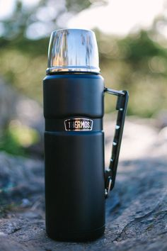 A great thermos for long lasting hot coffee in cold weather!