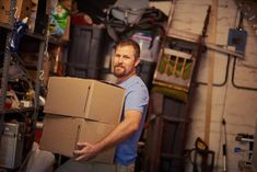 Here are a few tips that will help you perform your seasonal spring cleaning in your rented storage unit and spend some time organizing the space. Self Storage, Home Inspection, Declutter Your Home, Spring Cleaning, Cleaning Hacks, Real Estate, Marketing, Feelings, Blog