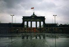 The Brandenburg Gate (German: Brandenburger Tor), Berlin  #Brandenburg #Berlin #Maladeviagem