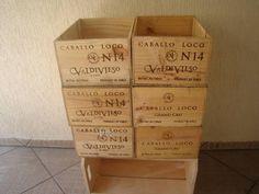 Caxias de madeira de vinho ideal para jardim, painel de parede, forração, vasos de flores ou mesmo plantar algumas plantas ornamentais um belo objeto de decoração R$ 37,00