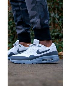 competitive price 77aff 611a1 Nike Air Max 1 Ultra Moire Trainers In White Blue