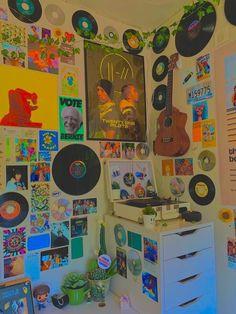 Indie Bedroom, Indie Room Decor, Cute Room Decor, Room Ideas Bedroom, Bedroom Decor, Bedroom Inspo, Retro Room, Cute Room Ideas, Aesthetic Room Decor