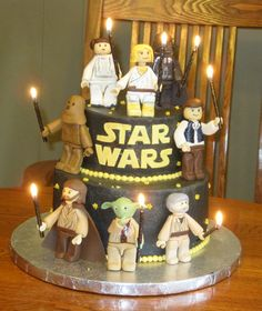 Love how the characters are holding the candles! Just need to change the color c - Star Wars Cake - Ideas of Star Wars Cake - Love how the characters are holding the candles! Just need to change the color combi and improve the looks of the characters Star Wars Birthday Cake, Star Wars Cake, Theme Star Wars, Lego Birthday Party, Star Wars Party, Lego Star Wars, Boy Birthday, Birthday Cakes, Birthday Ideas