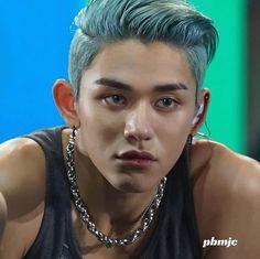 Blue Hair Tumblr, Hot Korean Guys, Lucas Nct, Wattpad, China, Hyungwon, Kpop, Taemin, Rolodex