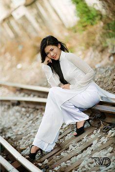 Áo dài trắng đẹp nhất   Áo Dài Việt Nam - Tôn vinh vẻ đẹp Vi…   Flickr