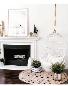 Serene corner with hanging chair - minimalist living room inspiration Decoration Inspiration, Interior Inspiration, Decor Ideas, Style At Home, Deco Design, White Houses, Living Room Inspiration, My New Room, Home And Living