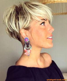 26 Pixie Hairstyles Don't Care About Your Hair Short Pixie Haircuts for Thick Hair - Get Your Inspiration for 2019 - Short Pixie Latest Pixie Cuts for Round Face You'll Love for Summer 2019 - Short Pixie CutsBest Short Haircuts trends and Pixie Haircut For Thick Hair, Short Hairstyles For Thick Hair, Short Pixie Haircuts, Curly Hair Cuts, Curly Hair Styles, Bob Hairstyles, Bob Haircuts, Blonde Short Hair Pixie, Office Hairstyles