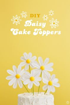 DIY daisy cake toppers for a Spring Chicks Rule Party Daisy Decorations, Rainbow Party Decorations, Party Themes, Party Ideas, Mod Podge Crafts, Glue Crafts, Diy Cake Topper, Cake Toppers, Daisy Cupcakes