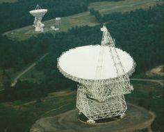Green Bank Telescope. (Photo: NRAO/AUI) (WV 10/10)