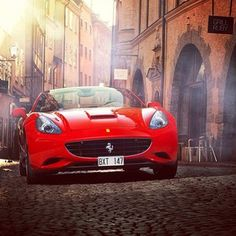 Drop Dead Gorgeous #Ferrari California! Hit to see more images like this.. ● Car Photography