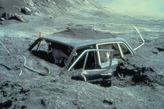 Mount St. Helens (Washington)- Letusan gunung berapi dapat menyebabkan jatuhnya korban jiwa karena munculnya gas2 berbahaya, hilangnya harta benda, banjir lahar, tsunami