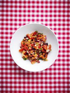 Rød tabbouleh med chilicreme