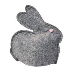 Wielkanocny zając z filcu, który może spełniać funkcję ocieplacza na jajka, Decobazaar.com
