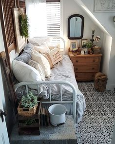 like - daybeds, striped bed linen, good idea for small rooms