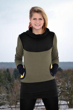 Kuschliger Jaqueen Pullover in der schönen Farbkombi olivgrün, schwarz und einem leuchtenden gelb als Kontrast.    Der Hoodie hat einen doppelt gen...