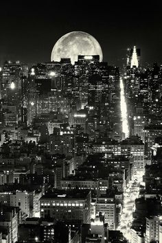 Black and White design landscape NYC space architecture new york new york city Manhattan Astronomy Beautiful Moon, Beautiful Places, Places Around The World, Around The Worlds, Photographie New York, Voyage New York, I Love Nyc, City That Never Sleeps, City Lights