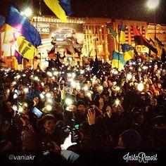 "euromaidan_ua  2013-11-29 07:29:02  via Instagram by @vaniakr ""#євромайдан"" via @InstaReposts"