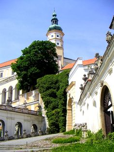 Castle Mikulov, Czech republic Heart Of Europe, Beautiful Places In The World, Places Of Interest, Ancient Architecture, Eastern Europe, Czech Republic, Cool Places To Visit, Beautiful Landscapes, Cool Pictures