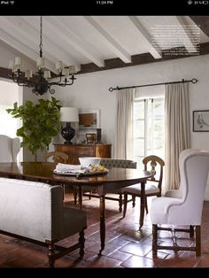 Reese Witherspoonu0027s Ojai Home/ I Like The Ceiling Beams.