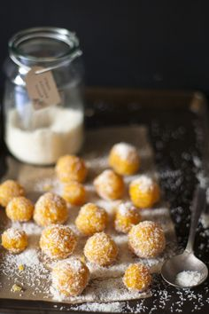Apricot Bliss Balls would be an amazing low-carb treat for Christmas! Raw Food Recipes, Sweet Recipes, Dessert Recipes, Cooking Recipes, Paleo Food, Yum Food, Vegan Baking, Fun Snacks For Kids, Kids Meals
