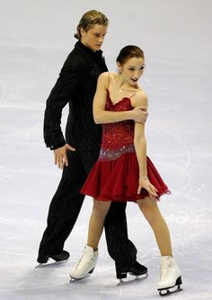 Charlie White and Meryl Davis compete in the original dance event during the State Farm US Figure Skating Championships January 23, 2007 at Spokane Arena in Spokane, Washington.