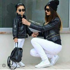 Mami y niños