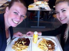 Inspiratie opdoen @Ikea!  www.zusa-design.nl #ikea #zweedseballetjes #lunchbreak #zwaarleven