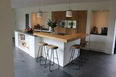 Gerard Hempen – Handgemaakte Keukens van Hout - All For House İdeas Kitchen Room Design, Modern Kitchen Design, Living Room Kitchen, Kitchen Layout, Interior Design Kitchen, Kitchen Decor, Kitchen Island Storage, Rustic Kitchen Island, Kitchen Islands