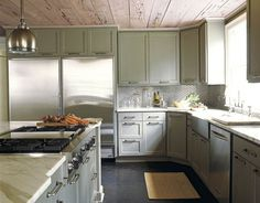 This kitchen design embodies the Belgian penchant for simplification, with its clean-lined gray-green cabinets and untreated pecky cypress ceiling. Designed by Kay Douglass. Photo by Simon Upton Kitchen Cabinets To Ceiling, Green Cabinets, Colored Cabinets, Cupboards, Corner Cabinets, New Kitchen, Kitchen Dining, Kitchen Decor, Kitchen Ideas