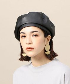 Leather Hats, Girl Inspiration, Cute Hats, Swag Style, Winter Fashion Outfits, Looking Stunning, Headdress, Beauty Women, Korean Fashion
