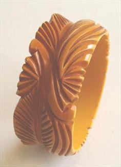 Bakelite Bangle Bracelet. Carve one on light weight wooden bangles from #DiyBangles