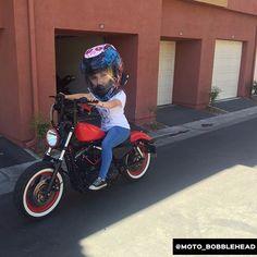 Moto Bobblehead 34