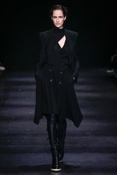 Ann Demeulemeester Fall 2014 Ready-to-Wear Fashion Show