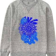 同じくUNIQLOhttp://ift.tt/1fOqzDR  これは青い花をグレーのトレーナーにプリントしたところ 青い花は私が描きました  #長袖 #とても丈夫 #UNIQLO #UTme #Tシャツ #ユニクロ #トレーナー #スウェット