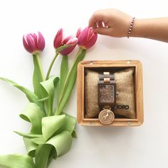 @JORD Wood Watches is based in St. Louis, Missouri and they create watches beautiful, durable and one-of-a-kind pieces. The styles are very broad, so there is something for everyone's taste. Their watches are handcrafted with sustainable wood from all over the world, including acacia, bamboo, ebony, golden champor, koa, maple, olive and more. Read more at http://www.onceuponadream.it/en/2017/07/31/jord-wood-watches-review/#ELrUbFmeLslZYYGv.99