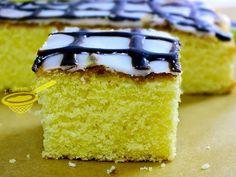 z cukrem pudrem: puszyste ciasto cytrynowe