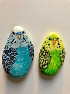 Green Parakeet and Blue Parakeet Painted Rock / Green Budgie Art / Parakeet Gift / Blue Parakeet / Parakeet Decor / Bird Lover Small Gift Set of 2 Budgies Hand Painted on pebble, Unique and Realistic Hand Painted Rock Art by Sunanda Sarke Pebble Painting, Pebble Art, Stone Painting, House Painting, Rock Art Painting, Rock Painting Patterns, Rock Painting Ideas Easy, Rock Painting Designs, Painted Rock Animals