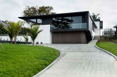 Lucerne Road House in New Zealand