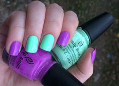 Two-colors nail art: purple and green nails