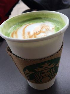 先日、47都道府県で唯一存在しなかった鳥取県に、ついにSTARBUCKS COFFEE(スターバックスコーヒー)が出店。話題をさらっていましたね。スタバといえば、季節折々のメニューも楽しみですが、レギュラーメニューのカスタマイズでもさまざまな味わいを楽しむことができます。今回は、読者モデルユニット「...