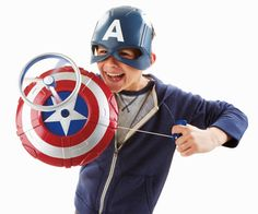 Complete your kid's Marvel Captain America costume with this awesome Avengers Captain America Launching Shield. Captain America Merchandise, Captain America Toys, Captain America Costume, Captain America Shield, America Outfit, Super Soldier, Winter Soldier, Worlds Of Fun