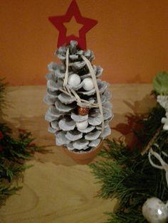 Vánoční stromeček ze šišky