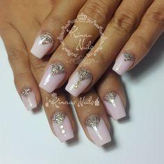 Diseño de salón     #kimerasnails #nails #uñas #acrylicnails #nude #sculturenails #prettynails #naturalnails #glitter #acrilicodecolor #naildesign #silk #AcrilicosAtacantes #ManoAlzada #3d #3dnails #YoSoyFantasyNails