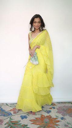 Indian Bridesmaid Dresses, Indian Wedding Outfits, Indian Outfits, Dress Indian Style, Indian Fashion Dresses, Indian Designer Outfits, Saree Wearing Styles, Elegant Saree, Half Saree