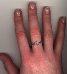 I want a tribal tattoo on this same finger.